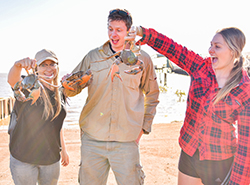 JESSICA WATSON, TOM GODFREY AND ANNABEL MARSHALL - MUD CRABBING IN DERBY - resize